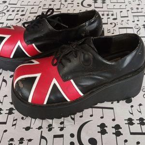 City Snappers Platform Shoes Size 9